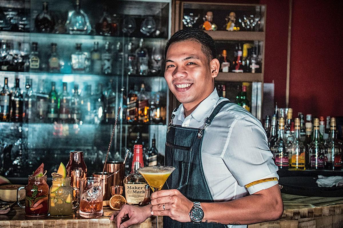 sipbar-bartender