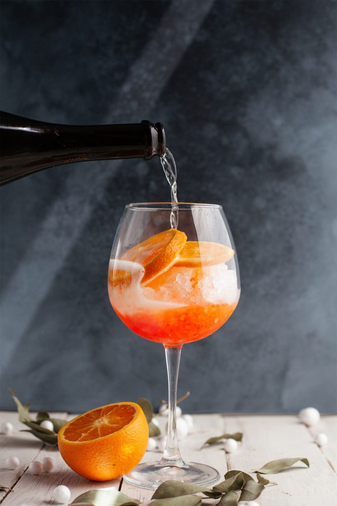 Top 10 Most Popular Cocktails to Order in a Bar - SipBar